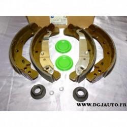 Jeux 4 machoires de frein arriere montage GM 93170618 pour opel combo 3 (base corsa C) partir de 2001